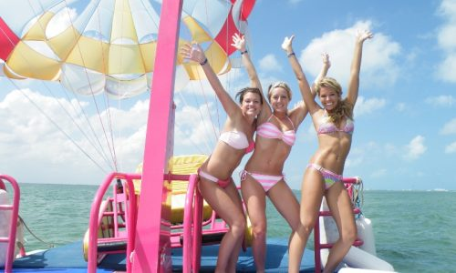 Parasailing_withFriends
